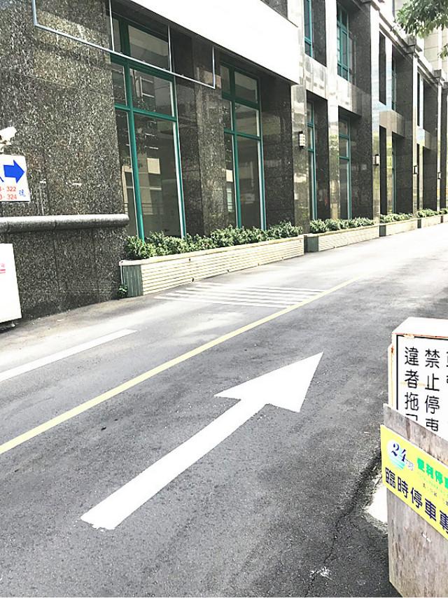 System.Web.UI.WebControls.Label,台北市內湖區內湖路一段