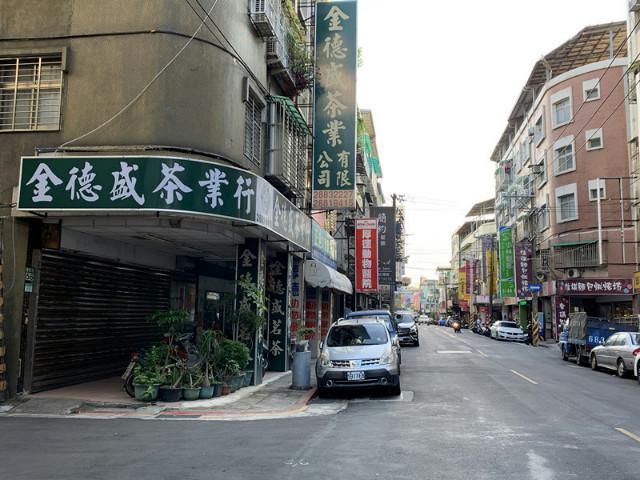 華齡街三角窗店面,台北市士林區華齡街