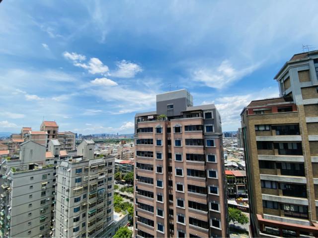 窗外後棟高樓,台北市士林區基河路
