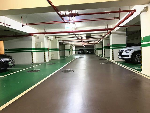 劍潭凡登車位,台北市士林區劍潭路